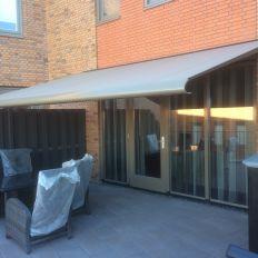 Cunera terrasscherm met bijpassende framekleur